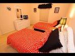 Third Bedroom / Tercera habitación - ComprandoViajes
