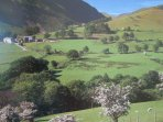 Lakeland Apartment: Lake District National Park UNESCO World Heritage Designated Site In Spring.
