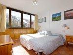 Dormitorio principal. Cama de 180 cm separable en 2 camas de 90 cms