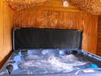 Summerhouse 6/7 person Hot Tub with ensuite Shower facilities
