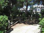 L'ingresso della pineta condominiale