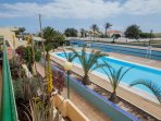 gran piscina exterior compartida