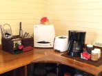 Casita Bonita - Coffe maker, toaster, microwave, stove and oven. It's all there!