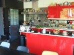 La cuisine de 40m2 pour des petits-déjeuners copieux et gourmands...
