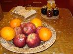 Fruits & homemade marmelades