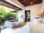 Temple Pavilion Villa Kanti Ubud - Bathroom