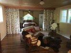 Fernside Studio with full bed