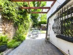 GARDEN -  Pergola and Egyptian wrought iron dining table