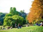 Buttes Chaumont parc (0,3 km)