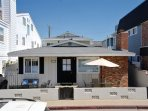 Beautiful Newly Remodeled Beach House- 4 Houses From Beach! (68195)