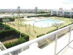vista jardín-piscina
