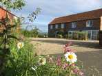Filey Bay - Luxury Accommodation with large landscaped gardens and car parking Sleeps 10