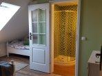 Scheunen-Doppelzimmer mit Bad