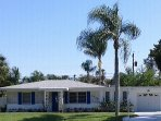 Lemon Bay Cottage, steps to South Venice ferry and pet friendly