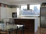 Amazing 2BD with 270 degree view of Melbourne