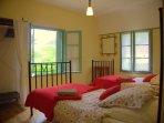 LA MAISON A COTE - Double aspect twin bedroom