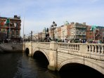 O'CONNELL BRIDGE - 15 minute walk