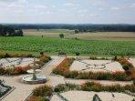 Vue Panoramique au printemps sur la Vallée de la Vienne à partir des chambres