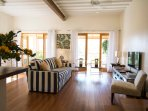 2nd level - Lounge and balcony