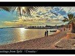 beach (5 min wak+lking distance)