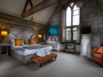 Gothic Bedroom/Ensuite Superking or Twin Room for extra single bed