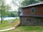 Look how close to the river the cabin & firepit are!  Truly relaxing experience!