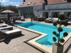 CHAMBRE DOUBLE ACCES PISCINE ,TERRASSE,BARBECUE,VELO