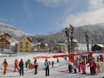 Chalet au centre de la station, proche  des cours et des pistes de ski, et des commerces