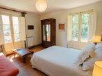 Dormitorio doble con sofá-cama