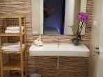 Baño suite, habitación matrimonio