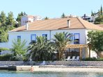 Holiday Home (20 Beds - 8 bedrooms - 7 bathrooms)