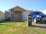 Lakelands Holiday Home A new home, close to Mandurah and the beach