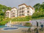 Shana Residences 3Br: Sea-Views & Walk-to-Beach!