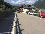 Parcheggio libero (gratuito) a 80-100 metri