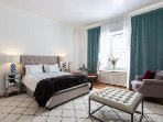 apartment comes immaculate VERY CLEAN despite review from altered   Vera Van Tienhoven.