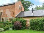 THE OLD MILL character restored mill, eco-friendly, pet-friendly, WiFi, Chirbury Ref 937030