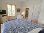 Seaforever - Queen Bedroom Towards TV
