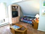 2nd bedroom (Loft)