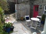 Courtyard garden gets morning sun