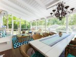 Screened Living & Dining Areas