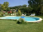 gite lepimayon T2 en rez de jardin accès à la  piscine du domaine