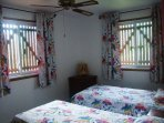 Cottage Hibiscus: the 2 single beds