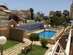 Urb.Parque de las Avenidas situada en Nueva Torrevieja,con dos piccinas,zona verde en toda la urbani