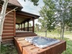 Discovery Chalet 378 - deck hot tub