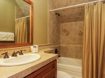 Discovery Chalet 256 - private bathroom shower/tub
