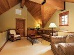 Discovery Chalet 256 - Loft queen sofa sleeper