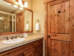 Staircase Chalet 15 - Guest bathroom vanity