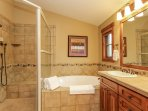 Staircase Chalet 15 - Master bathroom with jacuzzi tub