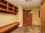 Staircase Chalet 15 - Mud room