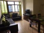 Salón con sofá rinconera para 8 ó 9 personas